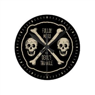 Suivez-moi à la triangle du diable horloge ronde
