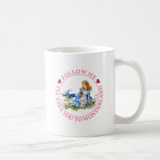 SUIVEZ-MOI, je VOUS PORTERA AU PAYS DES MERVEILLES Mug