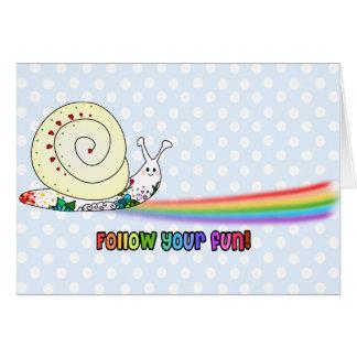 Suivez votre arc-en-ciel mignon d'escargot carte de vœux