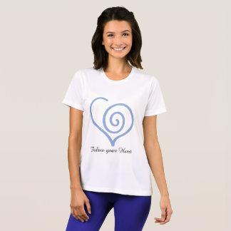 Suivez-vous T-shirt de graphique de coeur