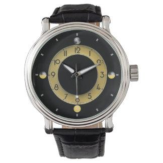 Sun et montre noire vintage du bracelet en cuir
