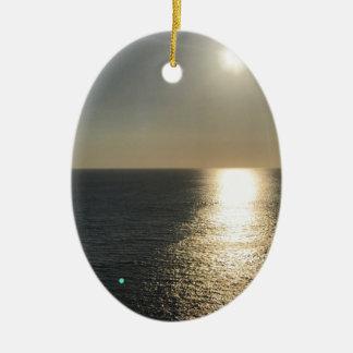 Sun sur l'eau ornement ovale en céramique