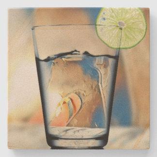 Sur les dessous de verre de grès de plage dessous-de-verre en pierre