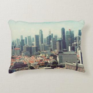 Sur les toits de Singapour Coussins Décoratifs