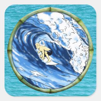 Surfer avec le cadre en bambou sticker carré