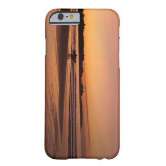 Surfer de plage de Higgins Coque iPhone 6 Barely There