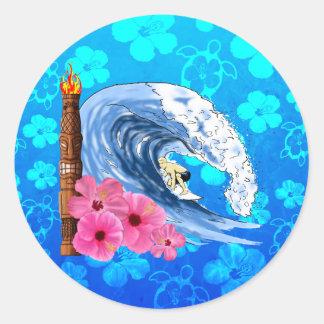 Surfer et statue de Tiki Sticker Rond