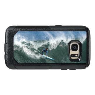 Surfer sur la planche de surf bleue et blanche coque OtterBox samsung galaxy s7