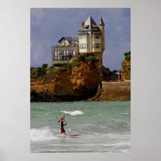 Surfer tandem à Biarritz, France Posters