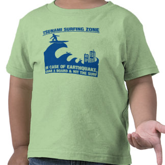 Surfers extrêmes de tsunami t-shirt
