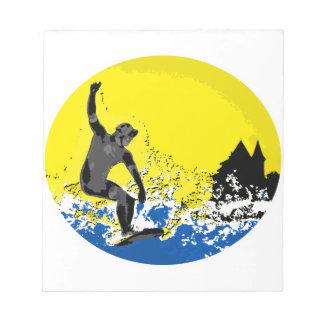 surfeur  basque de Biarritz en action Blocs Notes