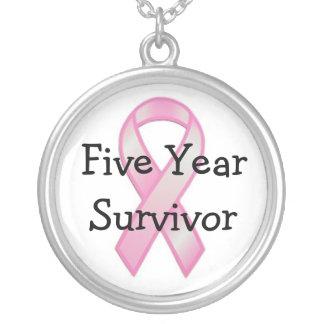 Survivant de cancer du sein cinq ans pendentif rond