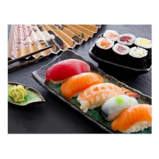 Sushi et petits pains carte postale