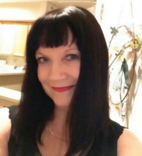 Elle Bennett, Author Gifts
