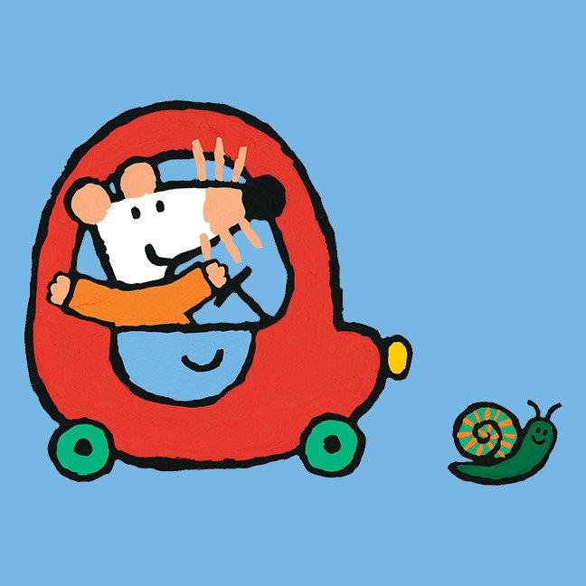 Maisy Drives a Cute Red Car