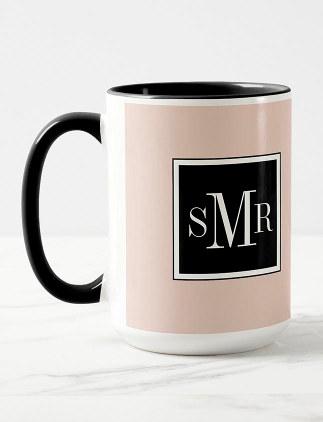 Idées cadeaux mugs avec initiales