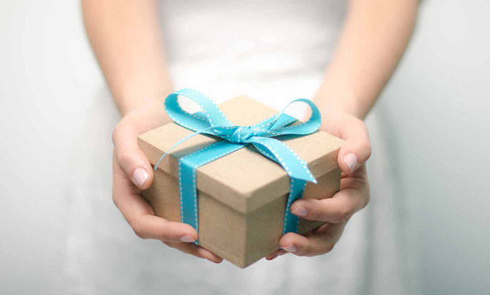 Consultez notre sélection de cadeaux de Noël à personnaliser