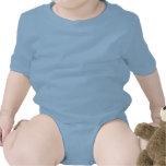 """<p>""""C'est trop mignon cette tenue ! """" C'est ce que vous entendrez de la part des autres mamans quand elles verront le body unique en son genre de votre bébé, personnalisé juste pour vous. 100 % coton de jersey, à manches courtes et avec trois boutons-pression argentés à l'entrejambe. Choisissez un design existant ou créez votre propre body personnalisé ! </p> <p>Taille et forme<p> <ul> <li> Disponible en 6 mois, 18 mois et 24 mois - voir le tableau des tailles pour plus de détails </li> <li> Conforme à la taille indiquée</li></ul> <p>Tissu et entretien</p> <ul> <li> 156 gr. 100 % coton de jersey (la couleur grise contient 10 % de polyester)</li> <li> Col ras-de-cou côtelé </li> <li> Ourlets des manches à double couture. Attache côtelée double couture sur l'entrejambe.</li> <li> Fermeture triple pression renforcée</li> <li> Importé</li> <li> Lavable en machine</li> </ul>"""