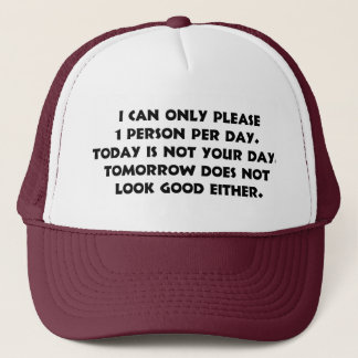 Svp seulement 1 casquette de la personne 2