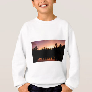 Sweatshirt Arbres de coucher du soleil réfléchis sur le lac