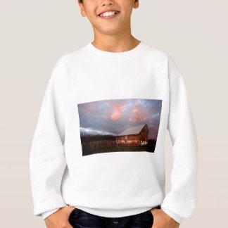Sweatshirt Coucher du soleil sur la vieille grange