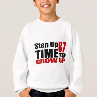 Sweatshirt Heure 87 de grandir des conceptions d'anniversaire