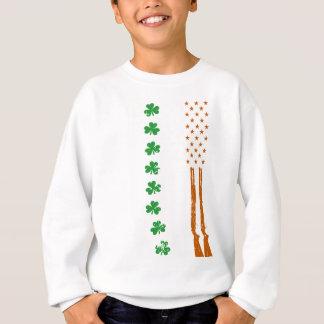 Sweatshirt jour de Patricks de drapeau américain d'armes à