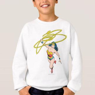 Sweatshirt La femme de merveille tient le lasso 2