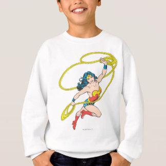 Sweatshirt La femme de merveille tient le lasso 3