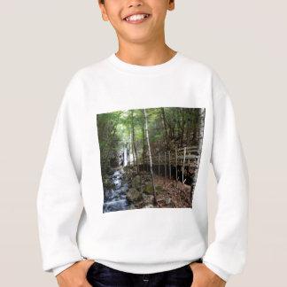 Sweatshirt passage couvert près de courant