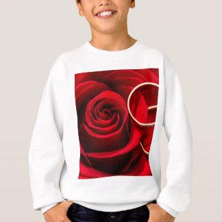 Sweatshirt Rose rouge de Saint-Valentin et anneaux de mariage