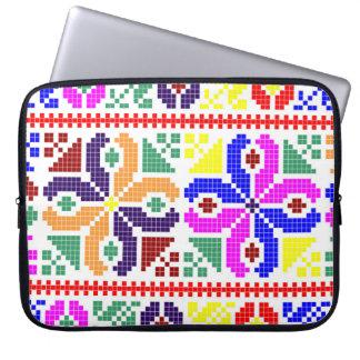 sym ethnique traditionnel de motif de motif de housses pour ordinateur portable