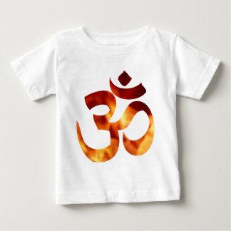Symbole ardent de yoga t-shirt