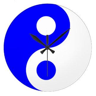 Symbole bleu de Yin Yang Horloges