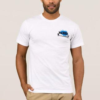 T des hommes aléatoires de tâches (noir sur le t-shirt