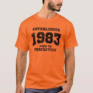 T-shirt 1983 établis âgés à la perfection