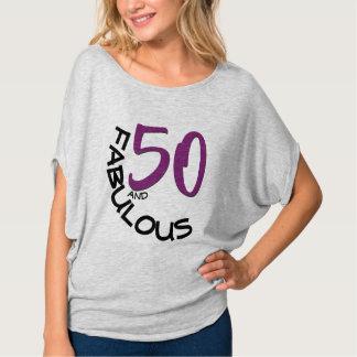 T-shirt 50 et typographie pourpre et noire fabuleuse