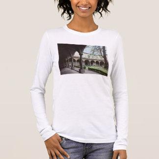 T-shirt À Manches Longues Cloître du couvent, reconstruit en 1442 (photo)