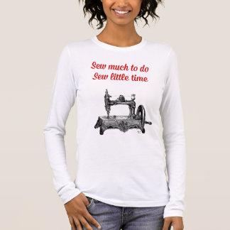 T-shirt À Manches Longues Cousez peu d'illustration de temps