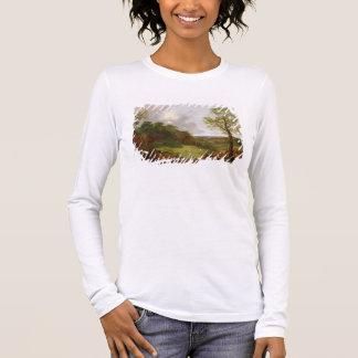 T-shirt À Manches Longues Paysage boisé avec un cottage, des moutons et un