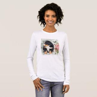 T-shirt À Manches Longues S'est levé et le chiot de Fleur Bernese