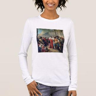 T-shirt À Manches Longues Taupe de Mathieu arrêté par la foule parisienne o