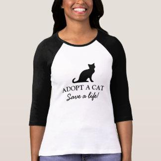 T-shirt Adoptez des économies de chat une chemise de la