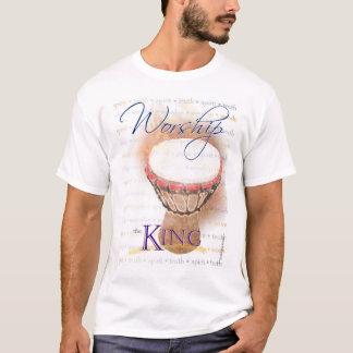 T-shirt Adorez la pièce en t de roi (djembe)