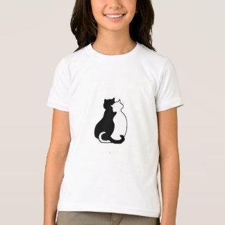 T-shirt affectueux d'anneau de chats