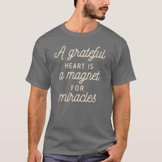 T-shirt Aimant reconnaissant de coeur pour la chemise des