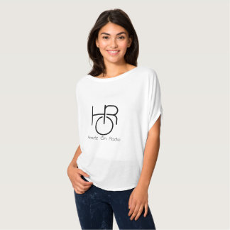 T-shirt All White Flowy Top de HandzOnRadio de Madame