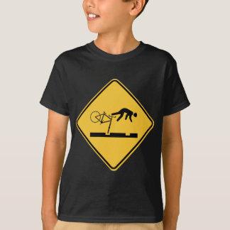T-shirt Aller à vélo sur les voies - panneau routier