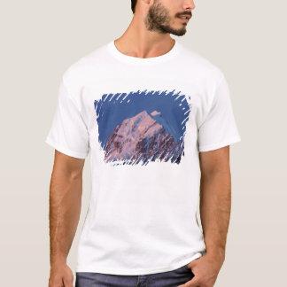 T-shirt Alpenglow sur le cuisinier de bâti d'Aoraki, le