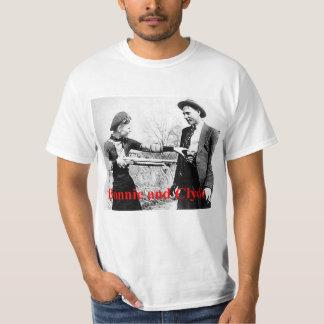 T-shirt Amants croisés par étoile mignons et de Clyde ou